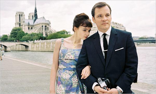 Jenny (Carey Mulligan) in Paris with David (Peter Saarsgard)