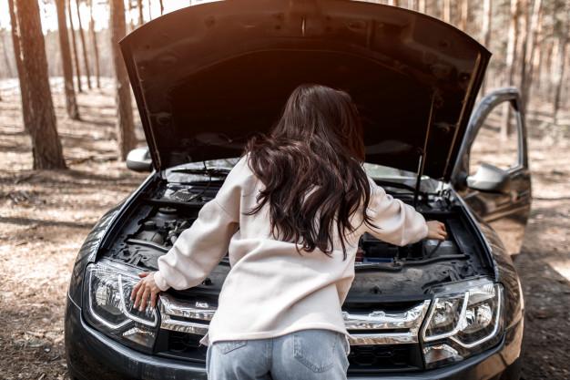 Bagaimana Menangani Kerusakan Kendaraan Saat Anda Dipinggir Jalan