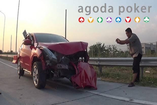 Mobil Kecelakaan di Tol Dokter TNI Berpangkat Letkol dan Istri Tewas