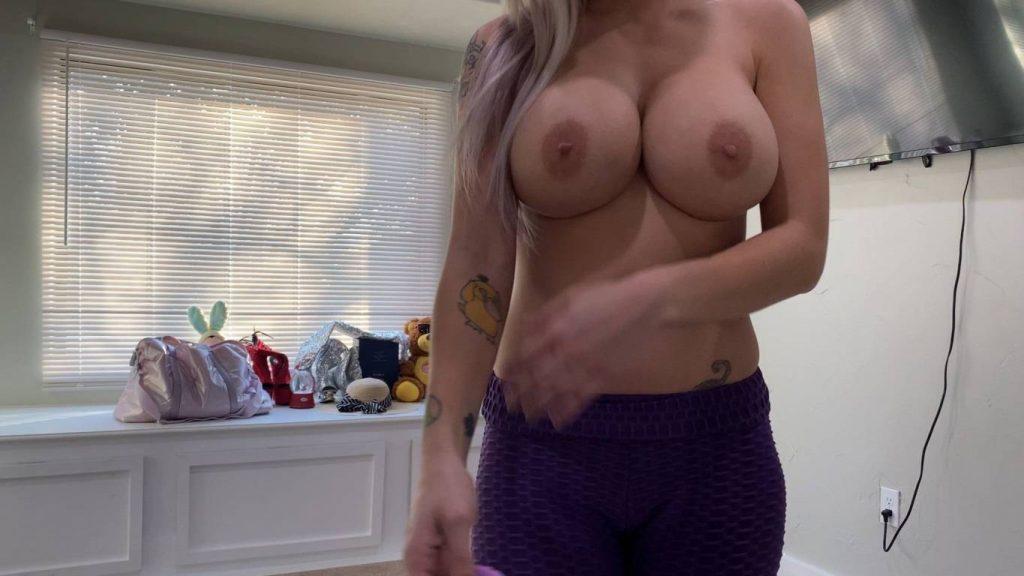 Voyeur-Flash-com-Trixie-Thomas-nude-12-1024x576