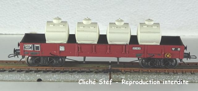 Wagons plats à bogies maquette et semi maquette chargés VB-plat-TP-bogines-lie-de-vin-containers-lait-DSC00047-R