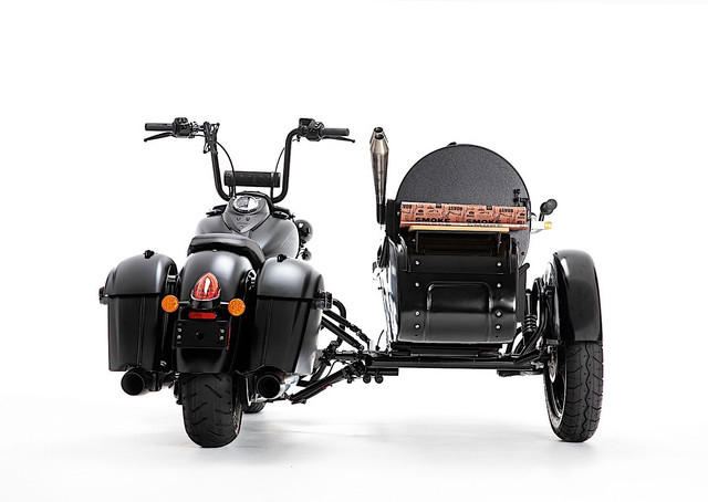 this-is-what-happens-when-you-mate-an-indian-motorcycle-with-a-traeger-grill-9.jpg