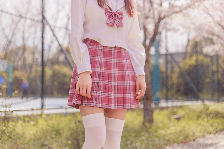 Tsubaki Album Vol 001 Pink Sailor suit & White knee socks 桜満開の季節 ピンク色に染めた学園 013
