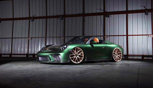 01-Dr-Knauf-Slammed-Altered-Porsche-Speedster-991-Green-2021
