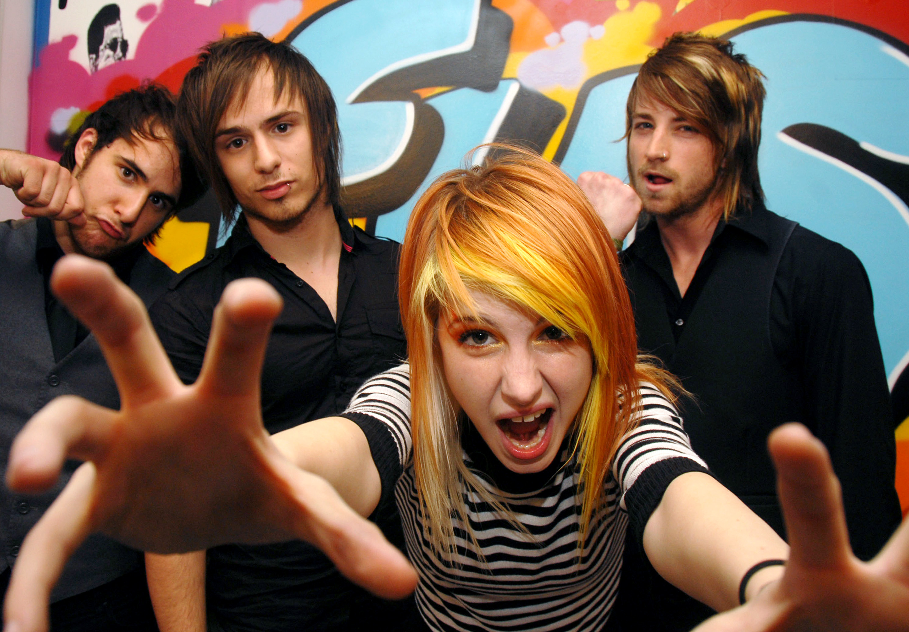 Paramore-Paramore-and-Lily-Allen-Visit-FUSE-s-The-Sauce-June-13-2007-FUSE-Studios-New-York-City-New-