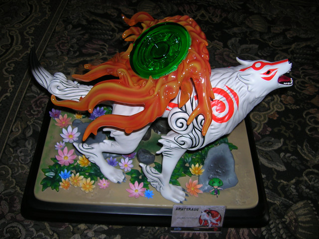 Okami-Statua