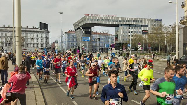 maraton-viena-bahnhof-travelmarathon-es