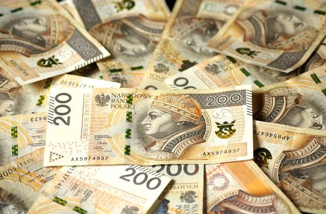 euro-banknotes-4122079-1280