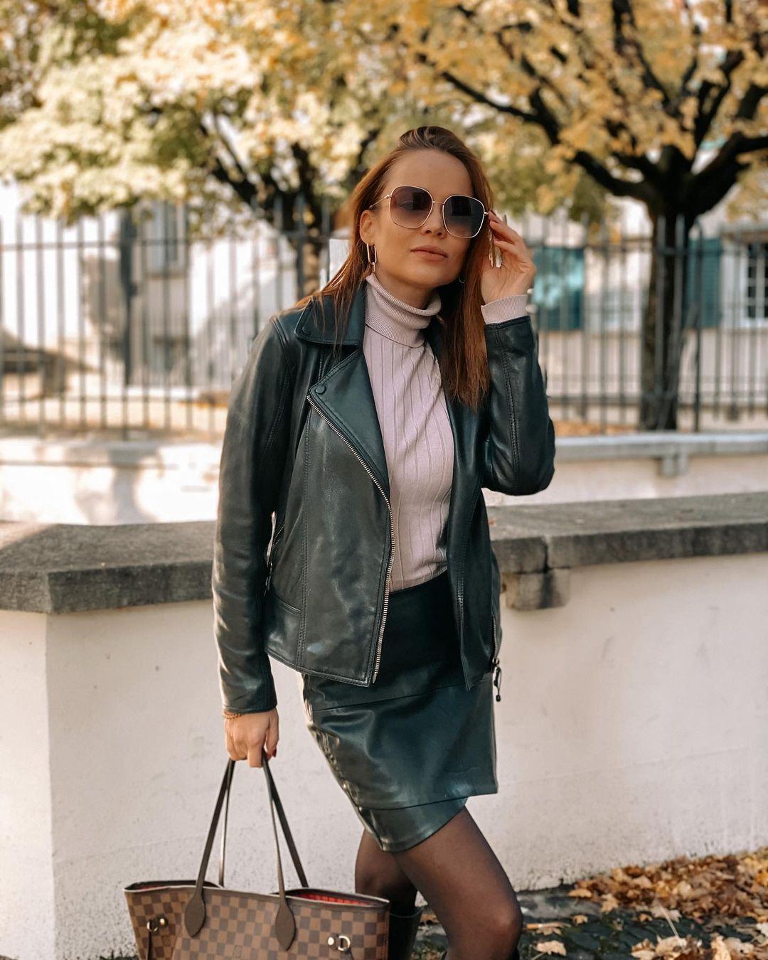 Angelina-Petrova-Wallpapers-Insta-Fit-Bio-1