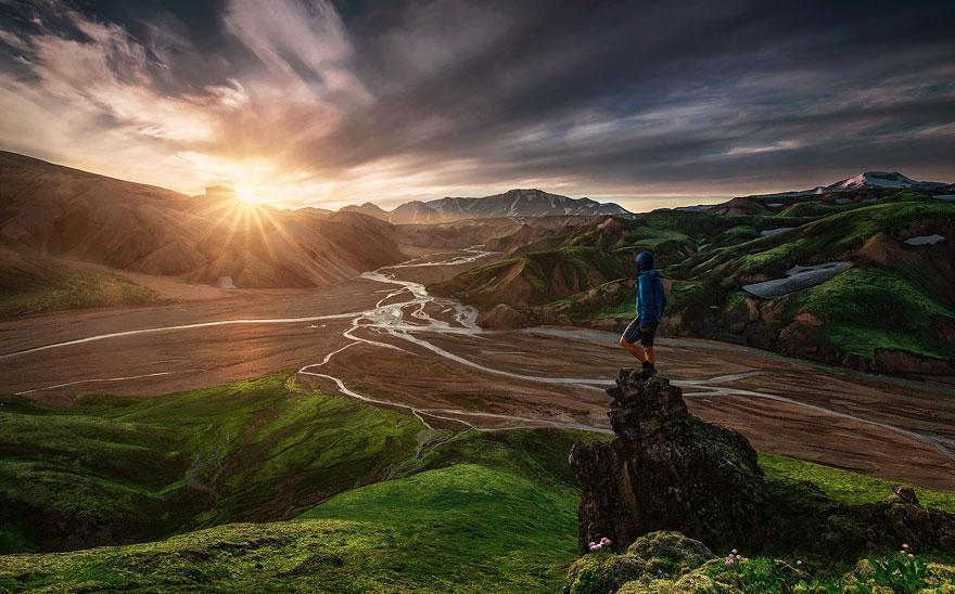 Крошечные люди и величественная природа - 28 фото