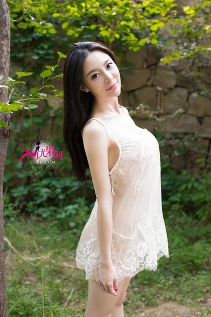 Mu Yu Qian 慕羽茜