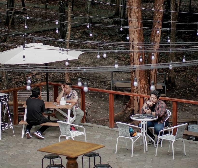 Ruang Hijau Coffeeshop