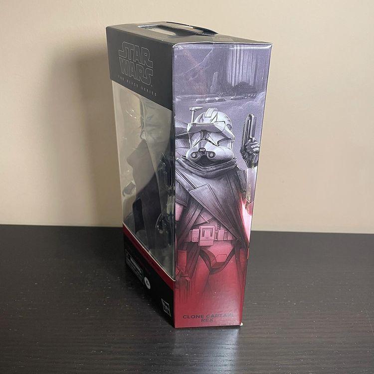 Black-Series-Clone-Captain-Rex-TBB-In-Hand-Boxed-2.jpg
