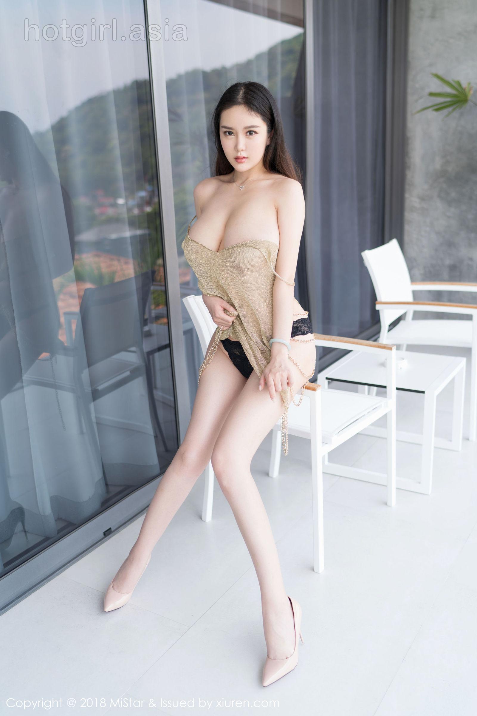 [MiStar Charm Club] VOL.224 Model @易阳SilviaJeep Island Photo Set