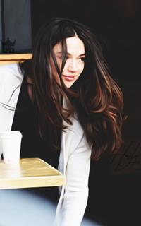Crystal Reed 18
