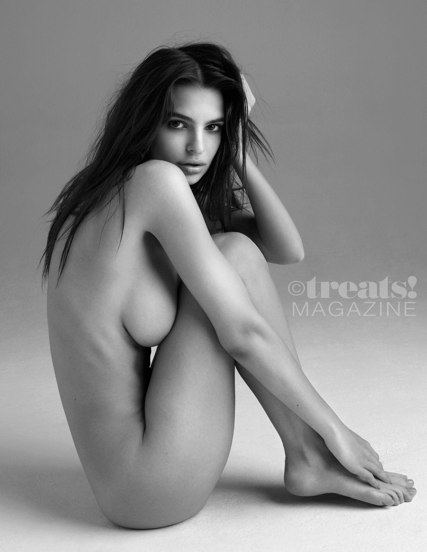 Emily-Ratajkowski-Nude-The-Fappening-Blog-7