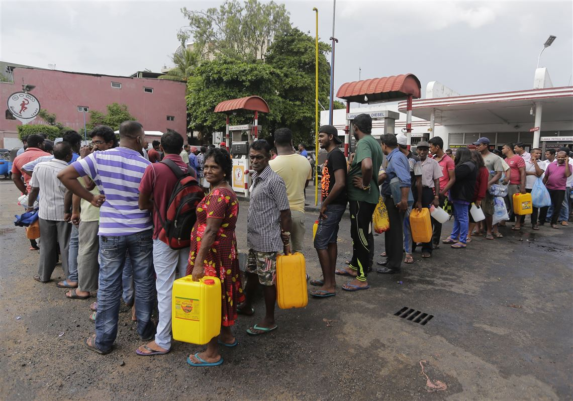 Sri-Lanka-Fuel-Shortage-1537564452.jpg