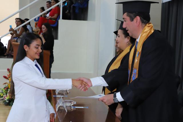 Graduacio-n-Medicina-81