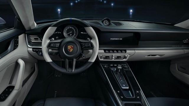 Haute performance sur terre et dans les airs: Porsche coopère avec Embraer EX22-V55-ID0001