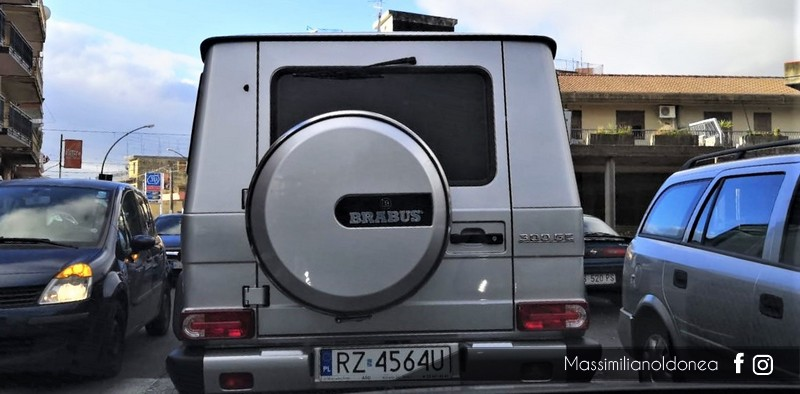 Avvistamenti auto rare non ancora d'epoca - Pagina 19 Mercedes-W463-300-GE-Brabus-RZ4564-U