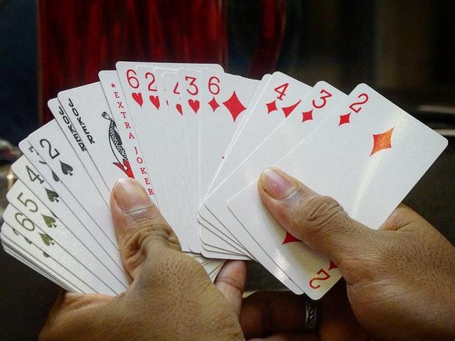 https://i.ibb.co/zfJdQZC/play-poker-game-online.jpg
