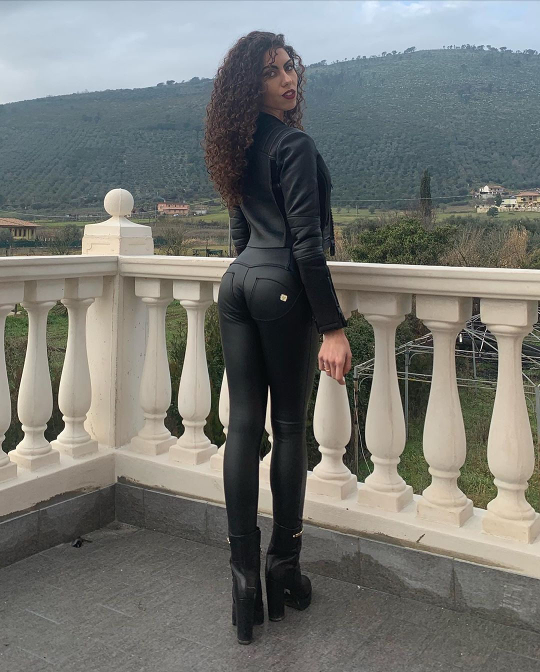 Sara-Quattrociocche-Wallpapers-Insta-Fit-Bio-2
