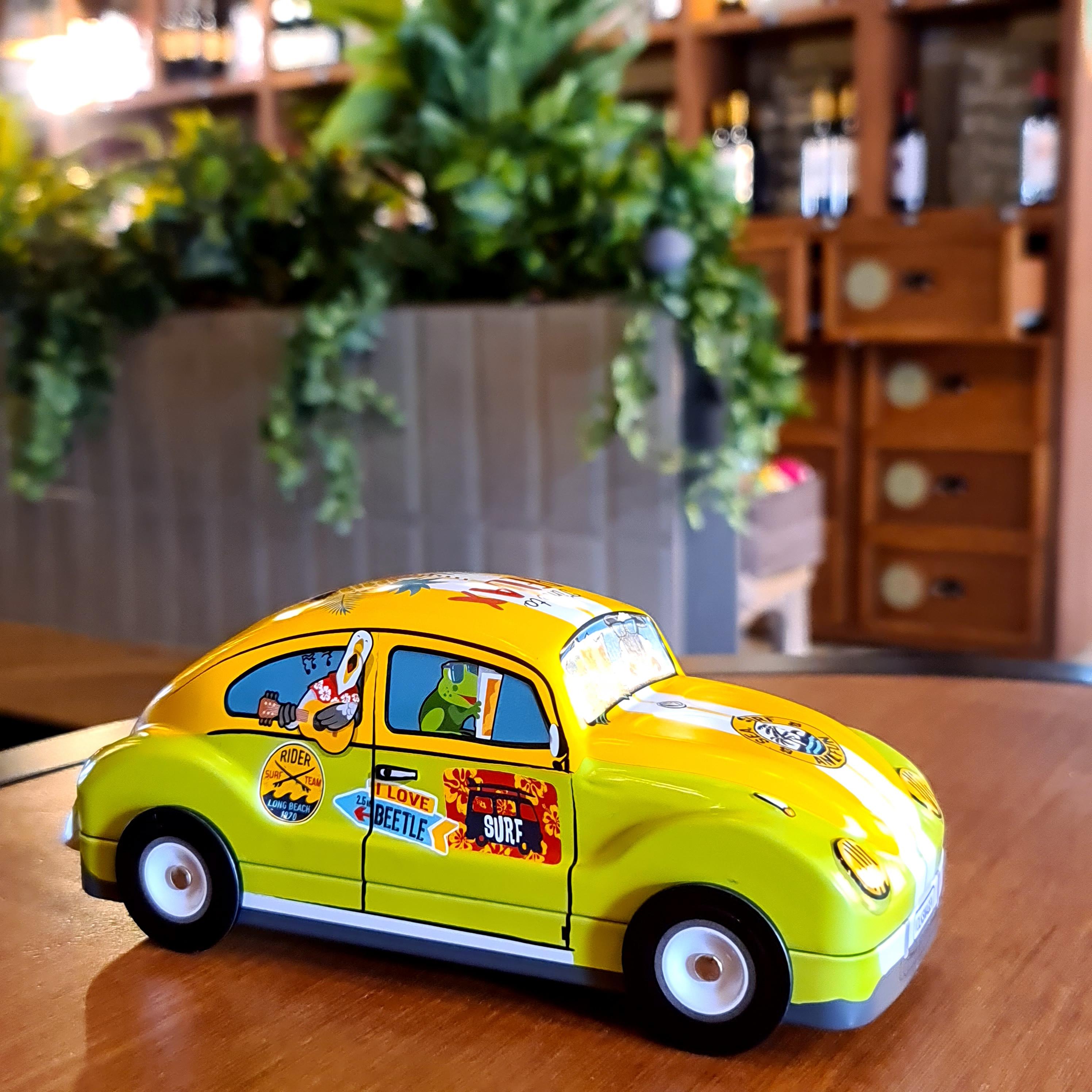 VW Coccinelle verde/galben
