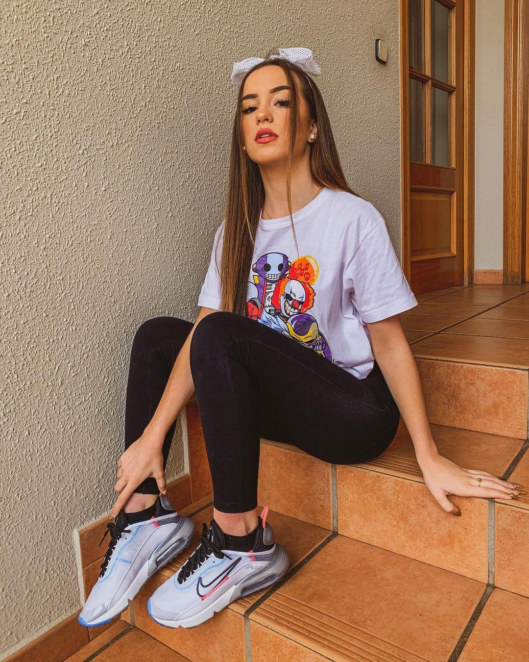 Lidia-Rauet-Wallpapers-Insta-Fit-Bio-4