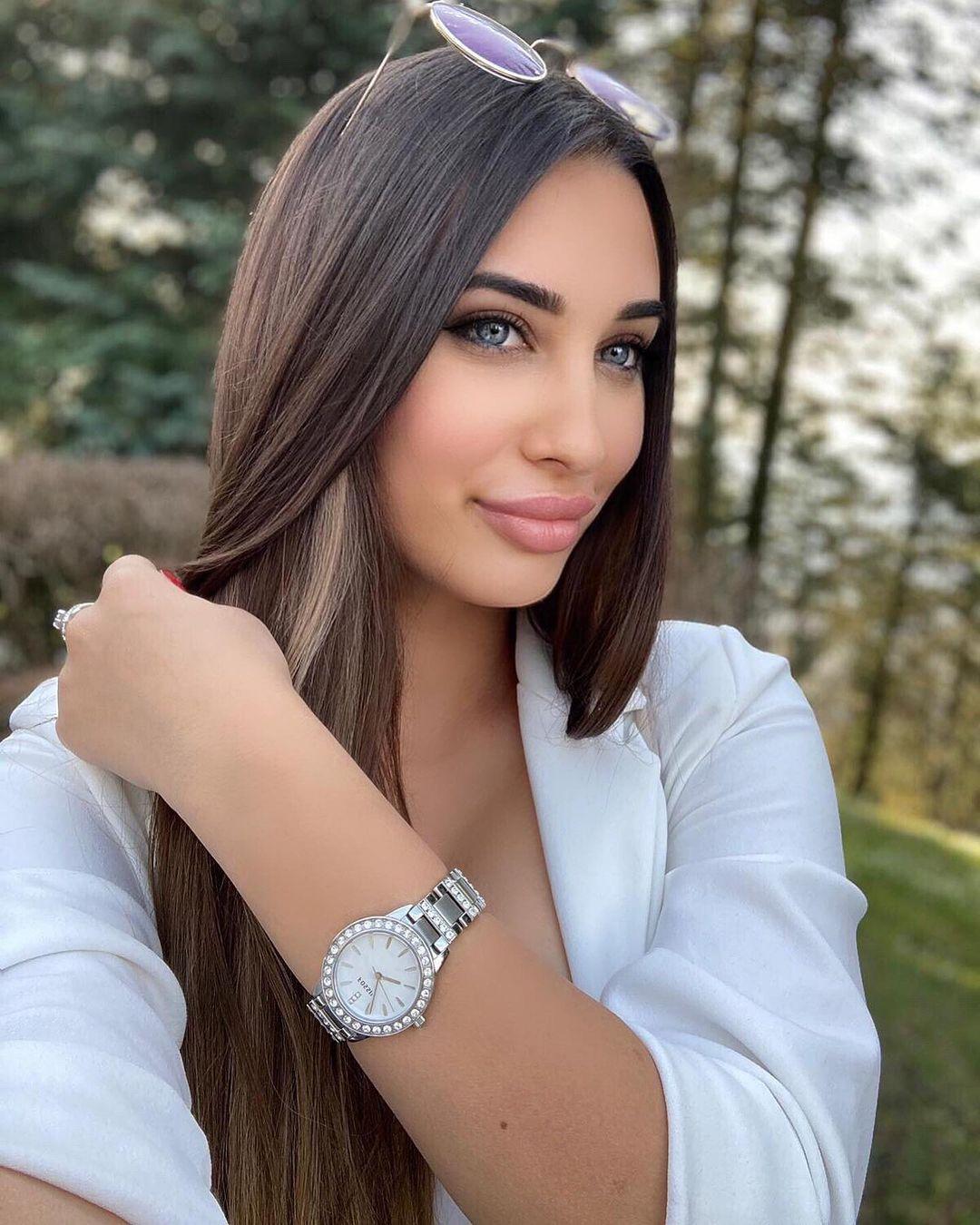 Diana-Mihajlovic-Wallpapers-Insta-Fit-Bio-19