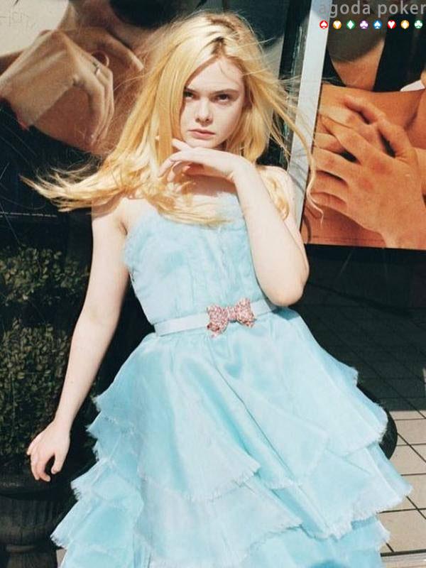 4 Fakta Elle Fanning, Pemeran Putri Aurora di Film Maleficent