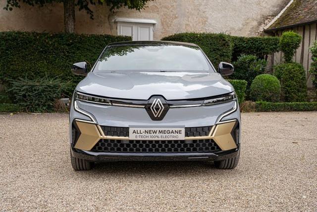 2021 - [Renault] Mégane E-Tech Electric [BCB] - Page 15 13-D4-E954-EDE4-4-ABC-B963-4615-E6-E35-C77