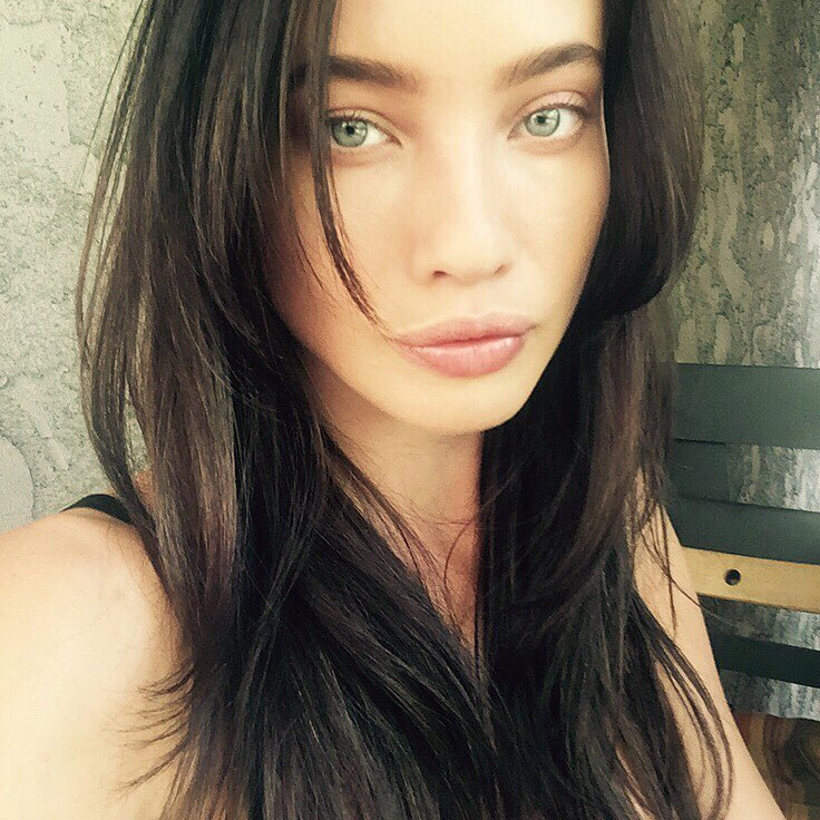 Stephanie-Corneliussen-Wallpapers-Insta-Fit-Bio-3