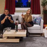 cap-Diana-Naborskaia-knackt-jede-Nuss-Bei-PEARL-TV-Oktober-2019-4-K-UHD-00-08-19-13