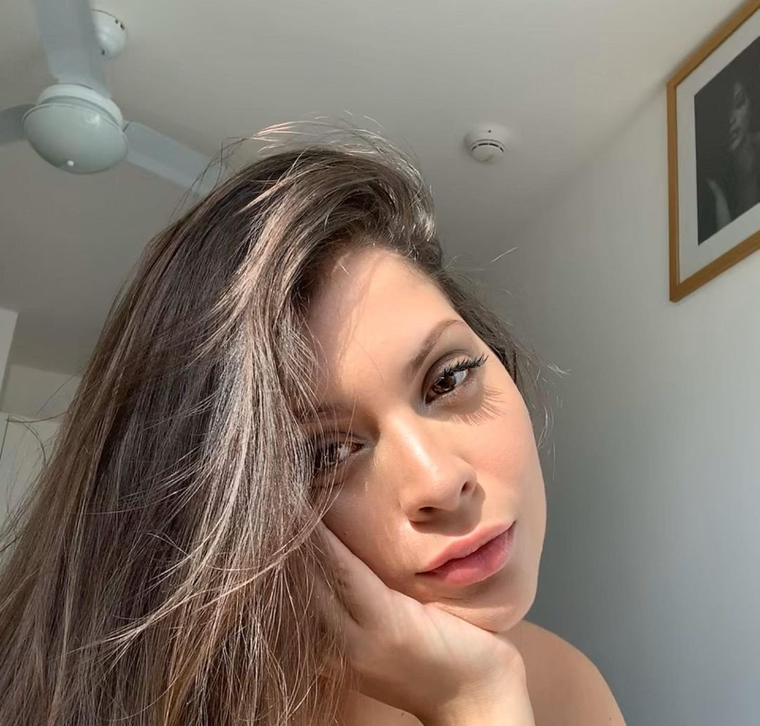 Natalia-Carvajal-Wallpapers-Insta-Biography-5