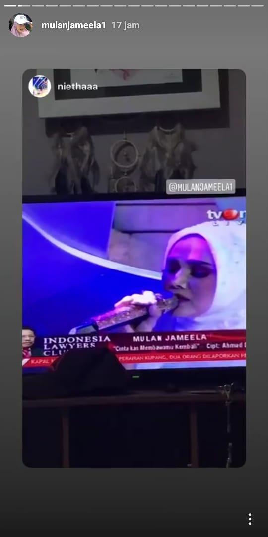 Mulan Jameela nyanyikan lagu ciptaan Ahmad Dhani di acara Indonesia Lawyer Club.
