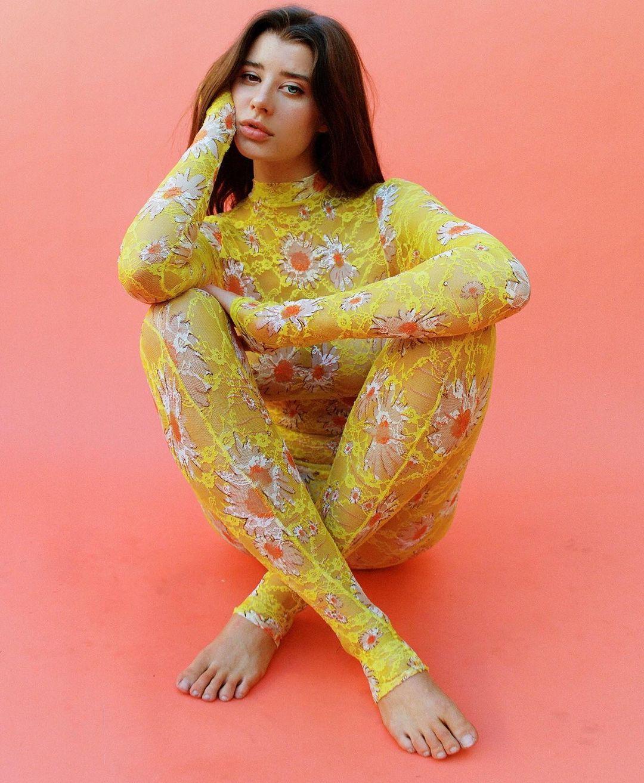 Yonk-Nerfalgaen-Wallpapers-Insta-Fit-Bio-Sarah-Mc-Daniel-Wallpapers-Insta-Fit-Bio-6