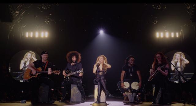 Shakira-In-Concert-El-Dorado-World-Tour-b7e.png