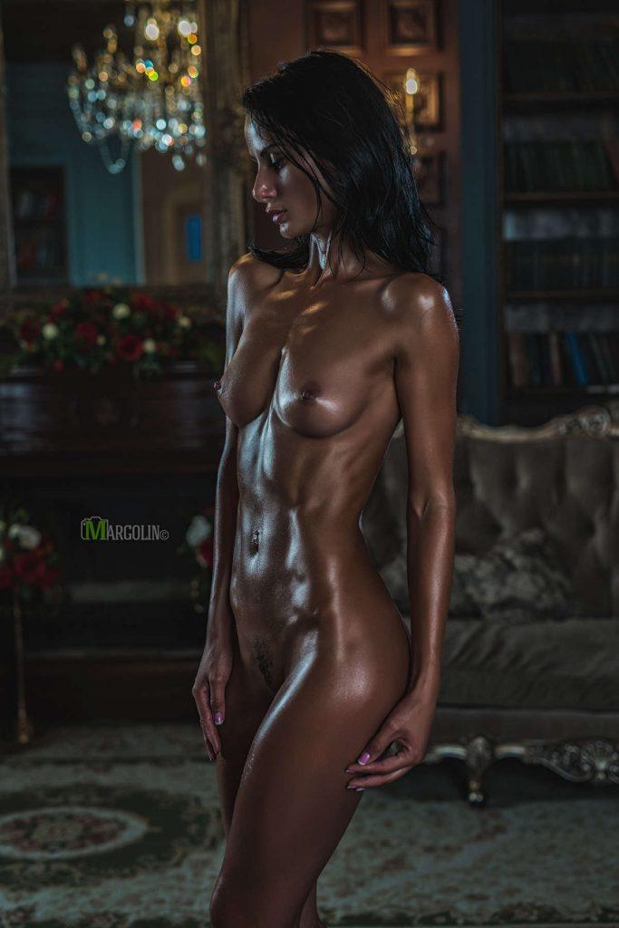 Voyeur-Flash-com-Anastasia-Appolonova-nude-2-683x1024