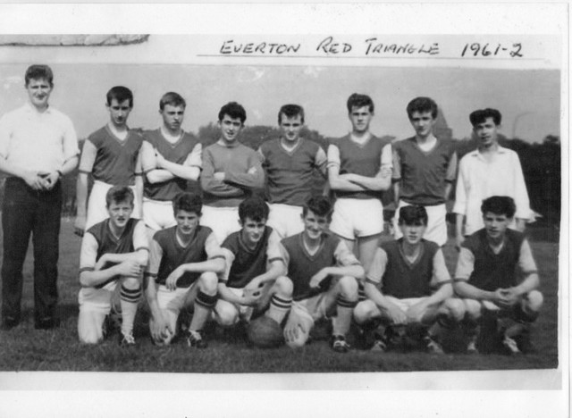 EVERTON-RED-TRIANGLE-1961-1962-Front-Row-2-Jerry-Bridge-3-Peter-Shields-4-Ronnie-Scot-1