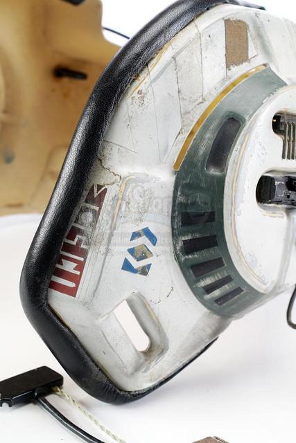 Prop-Store-Bwing-Helmet08.jpg